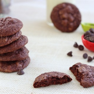 triple chocolate brownie cookies | Roxanashomebaking.com