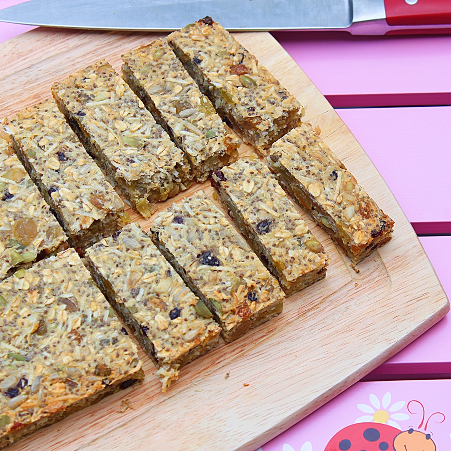dried fruit and seeds bars | roxanashomebaking.com