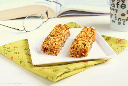 pumpkin granola bars | roxanashomebaking.com