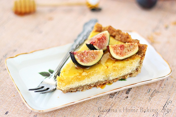 Ricotta tart with honey and figs recipe