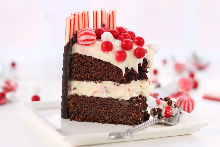 Christmas Devil's Chocolate Cake with Cream Cheese ...