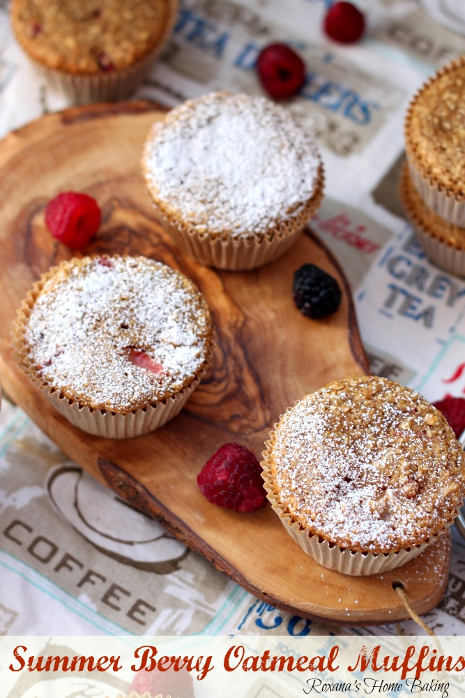 Berry oatmeal muffins from Roxanashomebaking.com Easy to make muffins, packed with fresh fruit, oats and whole wheat for a satisfying treat without feeling guilty