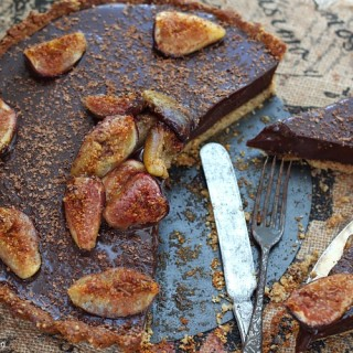 Roasted figs chocolate ganache tart