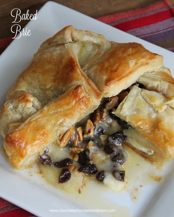 Baked-Brie-Puff-Pastry-California-Raisins-chocolatechocolateandmore-77c