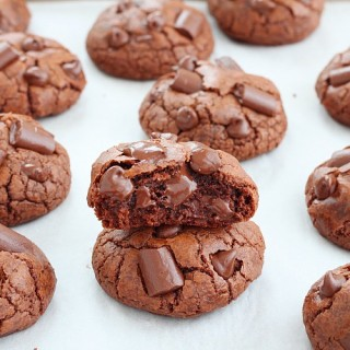 Cinnamon chocolate truffle cookies