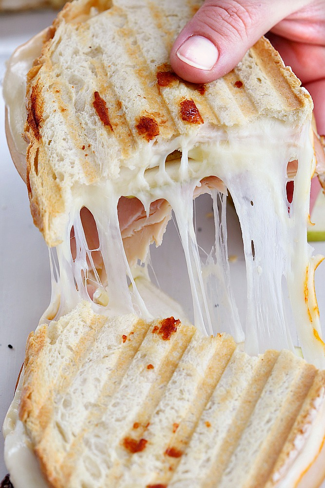 Packed with chicken and ham and two types of cheese, these Cordon bleu chicken panini prove that simple ingredients can easily be the most satisfying.